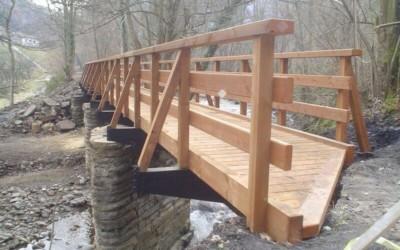 2791 – Puente de 26,00 x 2,00 m en la Sende del Oso, Sta. Marina