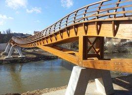 Puente de madera en Pesquera del Duero