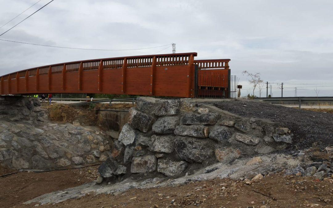 La pasarela de madera de Antequera ya está instalada