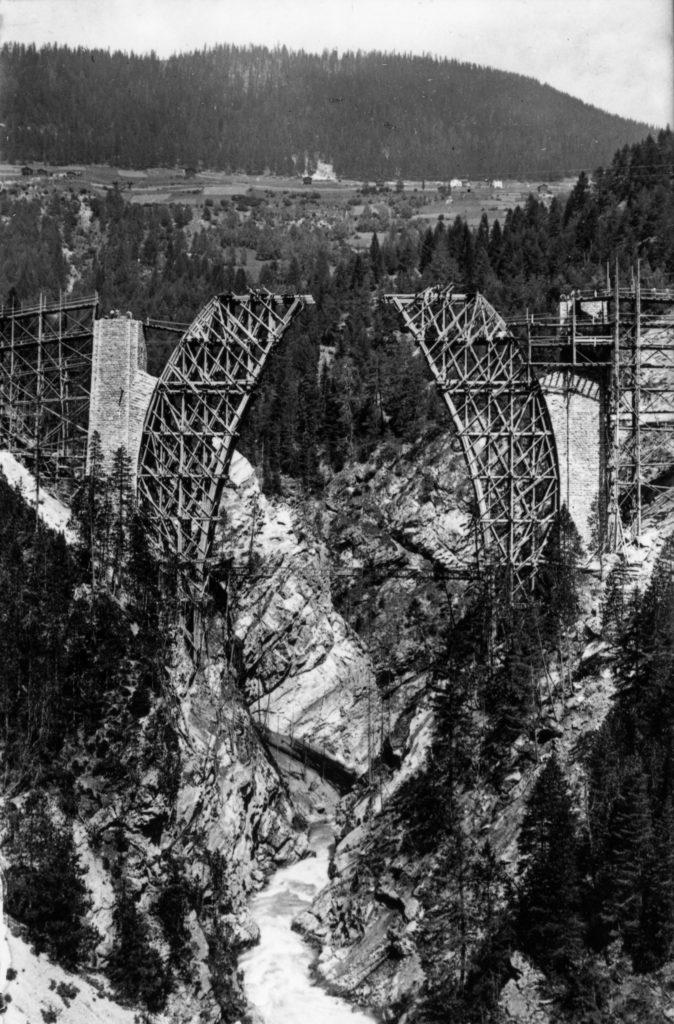 Cimbra del viaducto de Wiesner